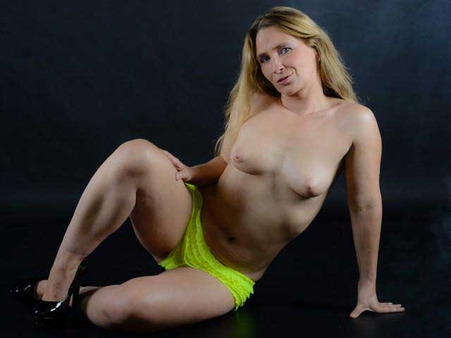 lilly-ladina-deutsche-milf